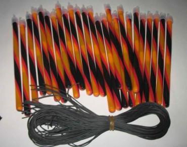 50 Knicklichter 10 mm x 200 mm schwarz-rot-gelb mit Band