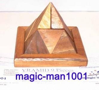 9 Klötzchen Pyramide